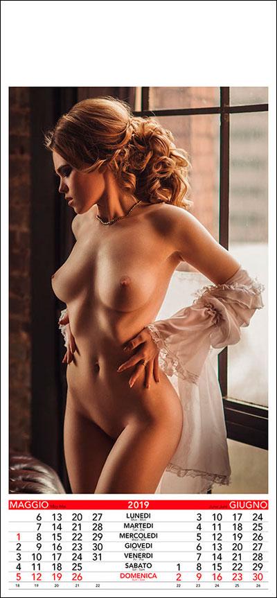 Ahsoka tano half naked